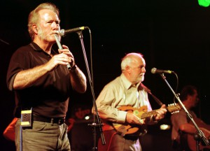 Wolfe Tones want to help cancer charity