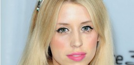 Peaches apologises for tweeting names in Ian Watkins case
