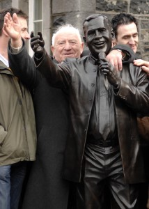 Joe Dolan's big brother Paddy at the unveiling of a statue to the singer in their Mullingar hometown