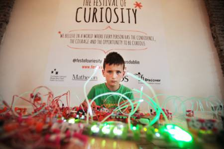 0359 NO FEE Curiosity Festival