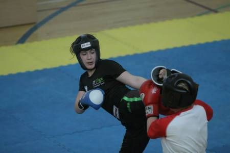 Alex in fighting action