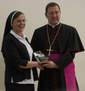 Sr Hannah Dwyer Receives Award - Diocesan Communications Office (1)