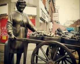 Mrs Brown statue unveiled in Moore Street market