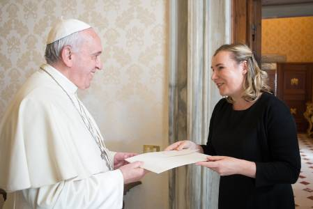 Amb Emma Madigan presents credentials to His Holiness Pope Franc 90361319