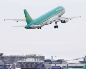 Aer Lingus 'willing' to accept a €1.36bn (£1bn) takeover offer