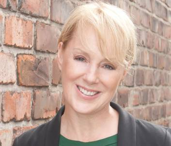 Sally Dynevor (1)