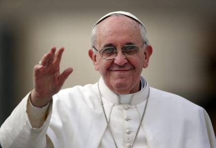 Pope: Dona t ignore Christian murders
