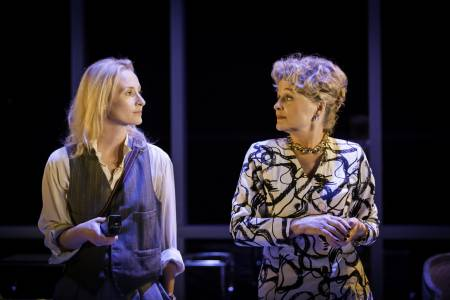 Genevieve O'Reilly (Kathryn) and Sin+®ad Cusack (Micheline) in Splendour at the Donmar Warehouse - photo by Johan Persson