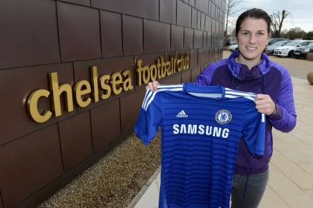 Niamh signed for Chelsea ahead of the new season
