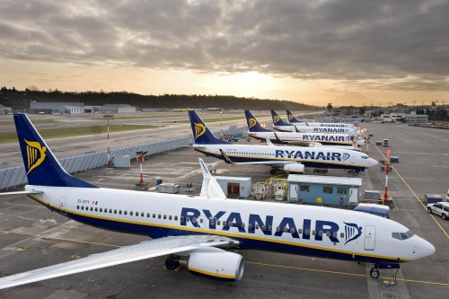 Ryanair calls on EU to prevent Europe's skies being closed by French ATC strikes