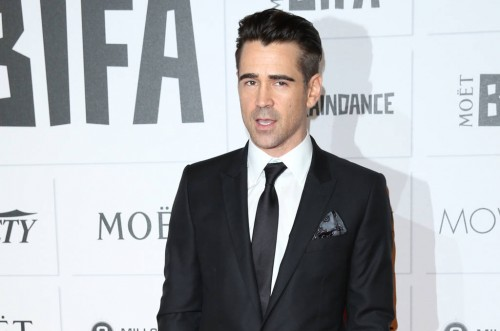 Colin Farrell likes a light fragrance on a woman rather than something too overpowering.