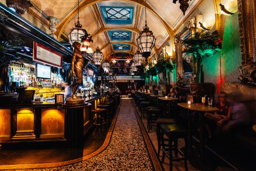 Cafe En Seine - Mercantile and Capital Bar groups to merge