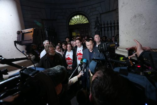 21/12/2016. Apollo House - Court Case. Pictured (LtoR) Singer Glen Hansard and Brendan Ogle speaking to the media about the Apollo House case outside the Four Courts where A High Court application has been heard all day. Photo: Sam Boal/Rollingnews.ie