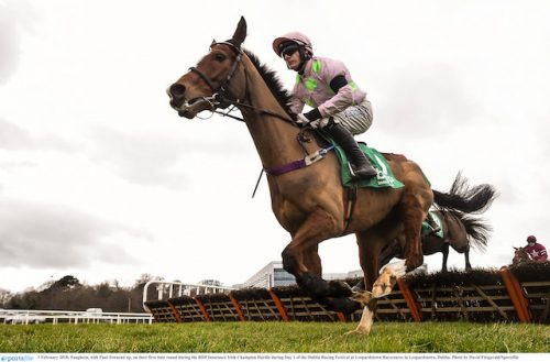 Buveur D'air looks champion-elect