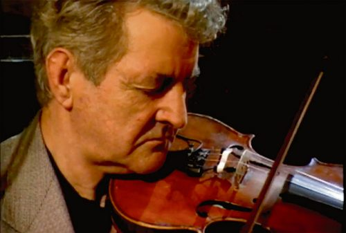 President leads tributes Irelands greatest fiddler