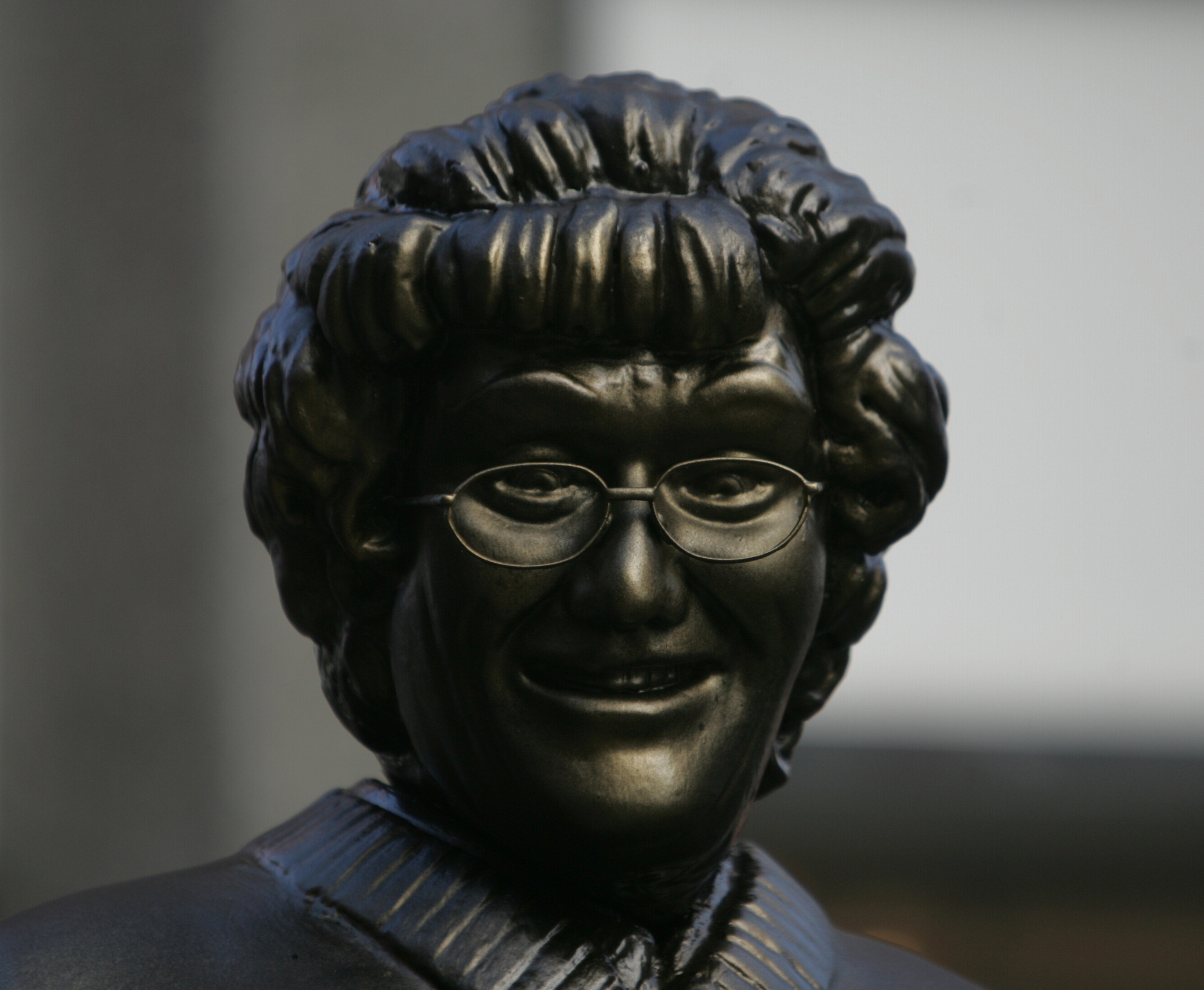 Mrs Browns Boys Statue 90359691